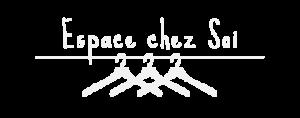 Logo de Espace chez Soi présentant 3 ceintres dans une penderie bien rangée